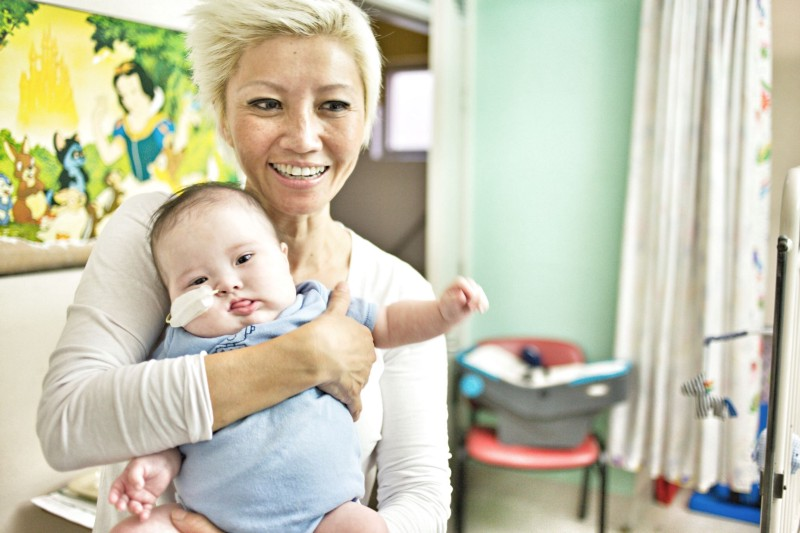 #babyNoah leaves hospital after 7 months in the ICU undergoing 3 lifesaving operations; pic by Ian Chow